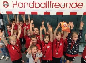 Freude allenthalben bei den Jüngsten der Handballfreunde. Ein tolles Turnier, ein volles Haus - was will man mehr?! (Foto: Handballfreunde)