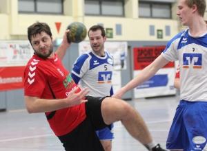 Stefan Heming erzielte fünf Tore beim knappen Sieg für die Handballfreunde. (Foto: Heidrun Riese)