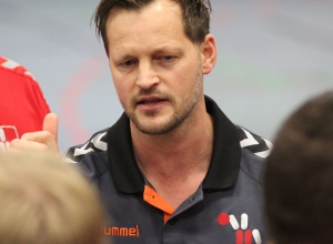 Vor allem in der Abwehr sah Trainer Dennis Kötter einen Galaauftritt seines Teams, das mit klarer Führung in die Meisterschafts-Zielgerade eingebogen ist. (Foto: Heidrun Riese)