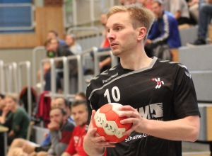 Tobias Wiening gelang am Ende der Partie der Treffer zum 28:28-Unentschieden. (Foto: Heidrun Riese)