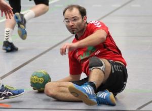 Am Boden: Tim Wienkamp fällt verletzt längere Zeit - eventuell sogar bis zum Saisonende - aus. (Foto: Heidrun Riese)
