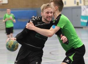 Simon Eiterig vermochte sich noch am besten gegen die starken Friesen durchzubeißen, konnte die Niederlage aber auch nicht verhindern. (Foto: Heidrun Riese)