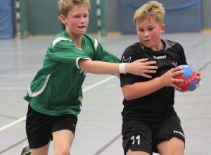 Philip Derksen erzielte zehn Tore beim Turnier und ging in beiden Spielen mit den Handballfreunden als Sieger vom Parkett. (Foto: Heidrun Riese)