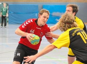 Er wird im Kader der Handballfreunde sehnlich zurück erwartet: Marcel Peters, im Moment verletzt. Foto: Riese